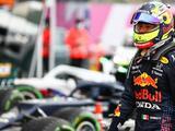 Lewis Hamilton gana su carrera número 100 en un GP de locura; Checo noveno
