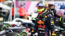 Lluvia arruina podio de Sergio Pérez y da triunfo a Hamilton