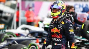 ¡Locura en Sochi! Hamilton gana su carrera 100 y Checo queda noveno