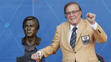 El mexico-estadounidense Tom Flores hace historia como el primer latino del Salón de la Fama de la NFL