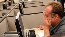 Oportunidades y mejores sueldos: las razones por las que millones de trabajadores abandonan sus empleos en EEUU
