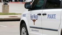 Autoridades en Fort Worth buscan a cuatro jóvenes que le rociaron gas pimienta a un hombre que querían asaltar