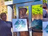 Hipopótamos sorprenden al pintar en zoológico de Texas