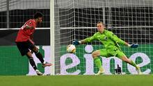 ¡La figura! Johnsson llevó al límite el juego contra el Manchester United con sus atajadas