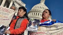 """""""Tengo la esperanza de encontrarlo con vida"""": madres de migrantes desaparecidos en la frontera piden ayuda al Congreso"""