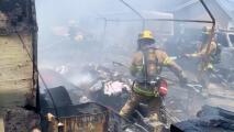 Más de 30 personas, incluidos 13 niños, son desplazadas por un incendio en Santa Ana