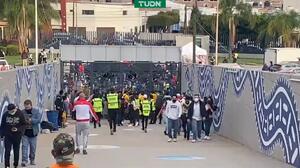 Se desata violencia entre aficionados de San Luis y América