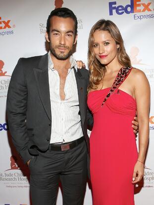 Aaron Díaz y su esposa Lola Ponce