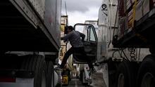 Organización sin fines de lucro ofrece capacitación gratuita para ser conductor de camiones