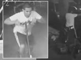 Buscan a sujeto que robó el scooter de un hombre a punta de pistola en Jackson Heights