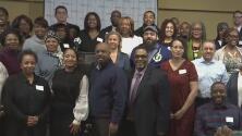 Comerciantes en el oeste de Chicago reciben becas en el Día de Martin Luther King Jr.