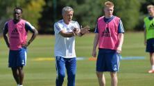 Mourinho negó que haya pedido la venta de De Bruyne