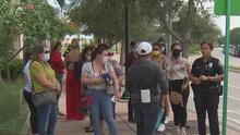 Trabajadores de la salud protestan en Doral tras el cese de su pago por parte de Medicaid