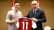 Erdogan apoya la decisión de Mesut Özil de abandonar la selección alemana