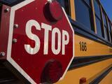 Envían mensaje de texto falso sobre retrasos en el servicio de buses en escuelas de Miami-Dade