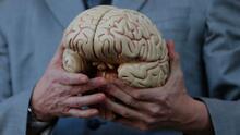 Hombre paralizado vuelve a 'hablar' gracias a un revolucionario implante cerebral