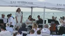 El emotivo concierto en la playa con el que homenajearon a las víctimas del derrumbe en Surfside