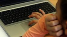 Cómo saber si su hijo está siendo una víctima del ciberbullying
