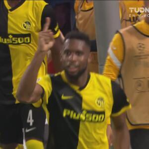 ¡Tres puntos en la bolsa! Siebatcheu define el 2-1 ante Manchester United