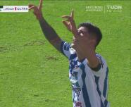 ¡Pega Pachuca! Víctor Guzmán dispara y un desvío ayuda para el 1-0