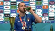 ¡Muy merecida! Bonucci toma cerveza y refresco tras ser campeón