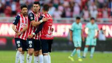 Chivas se mete entre los mejores ocho; América vuela en lo alto
