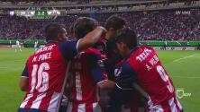 Este es el espectacular gol de la 'Chofis' López que le dio el pase a Chivas al minuto 90'