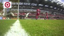 Wayne Rooney se pierda una clara de gol solo frente al portero