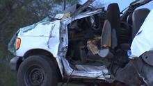 En un minuto: Investigan accidente de una camioneta cerca de la frontera en Texas que deja al menos 10 muertos y 20 heridos