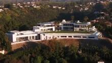 """Quiso crear """"la casa más grande del mundo"""" y termina vendiendo la lujosa casa sumido en deudas"""