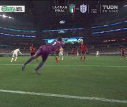 ¡Ya avisa México! Cabezazo de Funes Mori y Phillip niega el gol