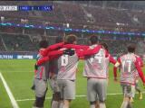 ¡Casi se lo anulan! Mergim Berisha ahora sí anota el 0-1 del Salzburg