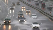 """""""Ríos atmosféricos"""" azotan California con fuertes descargas de lluvias y nieve"""