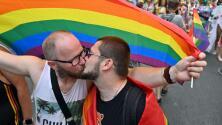"""""""La iglesia no intenta estar haciendo que la gente esté contenta"""": Vaticano afirma que no bendice las uniones homosexuales"""