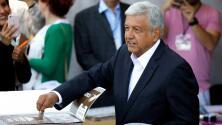 López Obrador, el primero de los candidatos a la presidencia de México que acudió a votar