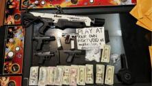 Un lanzallamas, droga y armas: el decomiso en un casino ilegal en Oakland