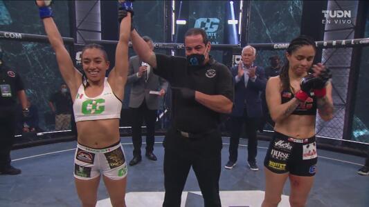 ¡La hizo suplicar! Ana Palacios vence a Gloria Bravo por sumisión