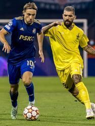 Sheriff y Dinamo Zagreb empatan a cero el partido de vuelta durante las Eliminatorias de la UEFA Champions League, pero por marcador global favoreciendo a los de Moldavia, logran hacer historia al ser el primer club de ese país que entra a la fase de grupos de la justa deportiva más importante de Europa.