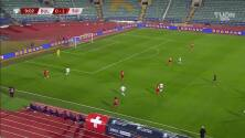 ¡GOL!  anota para Suiza. Haris Seferovic
