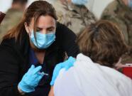 Personas vacunadas no deben ser obligadas a llevar mascarilla en Florida, dice cirujano general del estado