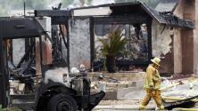 Horror y pánico en San Diego luego de que una avioneta se estrellara en un vecindario; se reportan al menos dos muertos