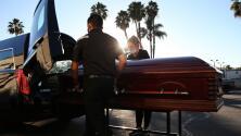 FEMA sigue aceptando solicitudes de reembolsos por gastos fúnebres a quienes perdieron familiares por coronavirus