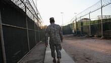 Biden saca a su primer preso de Guantánamo: ¿en qué situación está el polémico penal militar de Cuba?