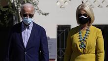 El comité republicano en Arizona debate censurar a Cindy McCain por apoyar a Biden