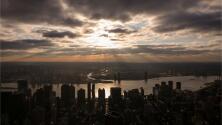 Miércoles fresco con cielos mayormente nublados en Nueva York