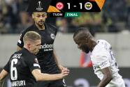 Con gol de Özil, Fenerbahçe rescató un punto en Frankfurt