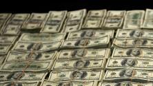 Autoridades descubren a una joven con 100,000 dólares mientras conducía a alta velocidad en el condado de Fort Bend.