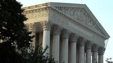 La decisión de la Corte Suprema que está beneficiando a inmigrantes con deportaciones suspendidas