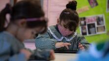 Niños de kínder en Nueva York recibirán $100 para abrir una cuenta de ahorro para sus estudios universitarios