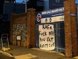 Colocan pancartas contra Rafa Benítez y su posible fichaje por el Everton
